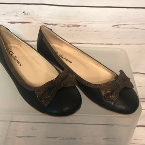 New Chinese Laundry Leather Flats